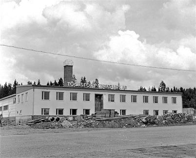 70. TVAB byggde ny industrifastighet vid Skärmon när lokalen vid Bruket blev för liten. Foto : Fritz Arenö / Årjängs kommuns bildbank