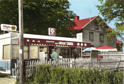 81. Nya Sanamonskiosken vid Handelsbolaget på 1960-talet. Foto : Sverre Sanamon