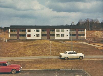 83. Nytt bostadshus i centrala Töcksfors. Foto : Folke Sahlin
