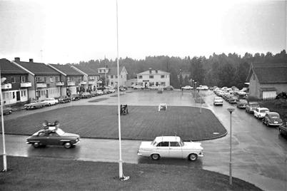 85. Torget i Töcksfors i slutet av 1960-talet. Foto : okänd