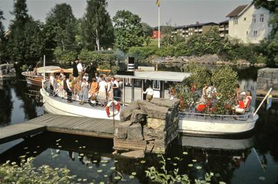 98. Klart för avfärd med båten Erik till midsommarfirandet på Töresbynäset 1981. Foto : Rolf Dahlén