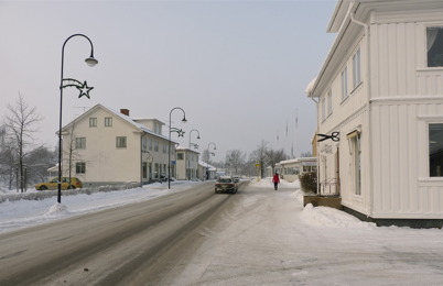 118. Sveavägen genom Töcksfors 2010. Foto : Lars Brander