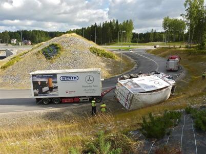134. Vissa lastbilar hade för bråttom 2010. Foto : Lars Brander