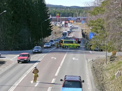 150. Trafikolycka i den farliga E18-korsningen vid kyrkan - 2012. Foto : Lars Brander