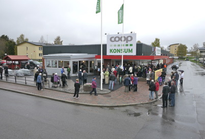 158. Konsum Värmland öppnar ny Konsumbutik i Olav Thons fastighet vid torget - 2012. Foto : Lars Brander