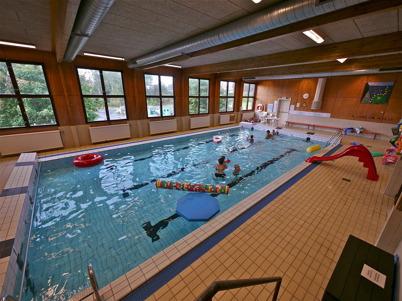 145. Årjängs kommun stängde badhuset i Töcksfors 2011, och gick därmed emot bygdens folk. Foto : Lars Brander