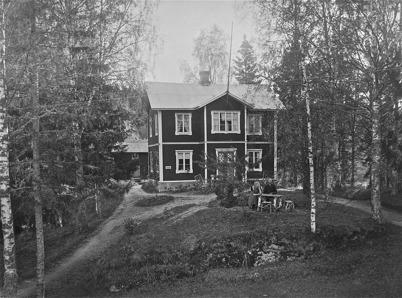 Lärarebostaden i Boviken, Östervallskog. Första våningen byggd omkring 1884 och andra våningen omkring 1900.  ( 1923)