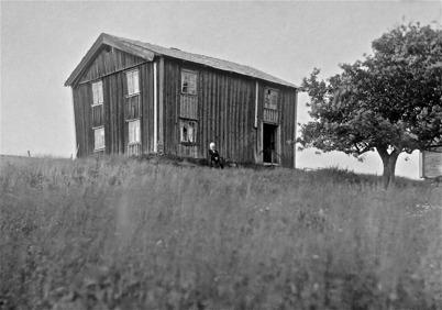 Tosterud byggt 1828, Olof Nilsson född 1831. Foto: J B Söderblom