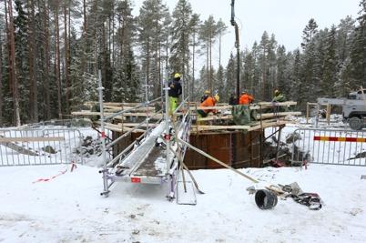 20 februari 2014 - På Mölnerudshöjden fortsatte  vindkraftbygget.