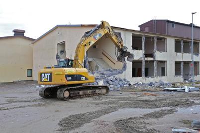 24 februari 2014 - Gamla Silbodalskolans norra del revs för att ge plats för nya högstadieskolan.