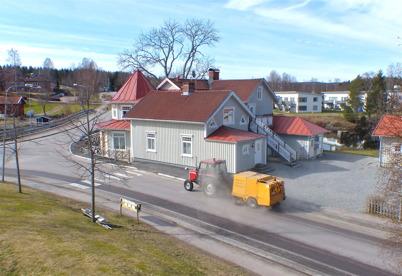 31 mars 2014 - Och Töcksfors Renhållning sopade gatorna, ett riktigt vårtecken.
