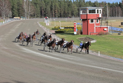 13 april 2014 - Och så var det säsongspremiär på Årjängstravet.