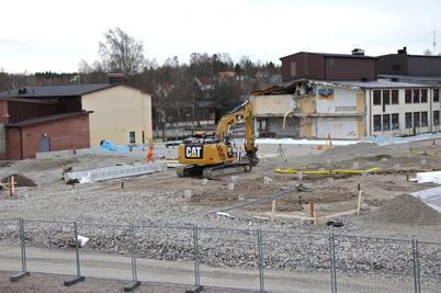 16 april 2014 - I Årjäng fortsatte arbetet med att lägga grunden för nya högstadieskolan.