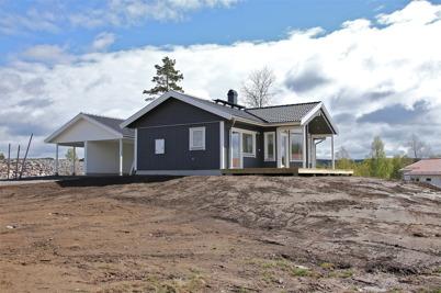 10 maj 2014 - På Prästnäset i Töcksfors var ytterligare en villa klar.