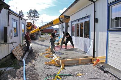 20 maj 2014 - Vid gränsen slutspurtades det inför öppnandet av nya gränsbutiken.
