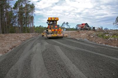 2 juni 2014 - På Mölnerudshöjden fick vägarna i vindkraftsparken en slutlig finputs.