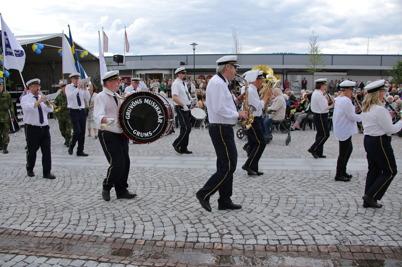 6 juni 2014 - Nationaldagsfirandet i Årjäng fortsatte med pompa och ståt på Claras torg.