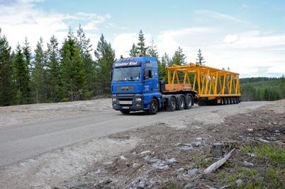 24 juni 2014 - Leveranserna till vindkraftbygget på Mölnerudshöjden fortsatte.
