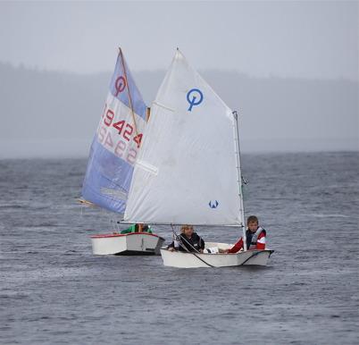 1 juli 2014 - Deltagarna i årets seglarskola fick känna på olika vädertyper.