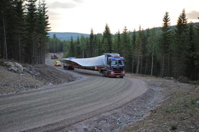 7 juli 2014 - De längsta lasterna kördes från hamnen i Uddevalla till Mölnerudshöjden under nattetid.