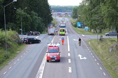 9 juli 2014 - I den farliga E18-korsningen vid kyrkan i Töcksfors inträffade ytterligare en trafikolycka.