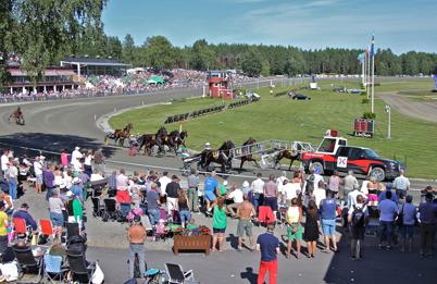 12 juli 2014 - Årets höjdpunkt på Årjängstravet, start i Årjängs Stora Sprinterlopp.