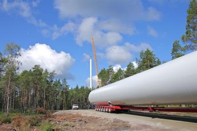 18 juli 2014 - Det var imponerande att se leveranserna av alla delar till vindkraftverken.