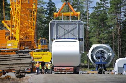 18 juli 2014 - Och så var det dags för ytterligare ett maskinhus att lyftas 120 meter upp i luften.