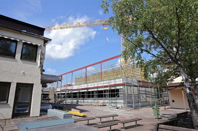 28 juli 2014 - Och i Årjäng jobbade man på med bygget av nya högstadieskolan.
