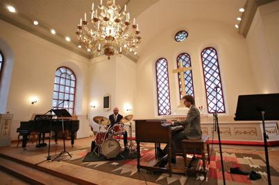 9 augusti 2014 - Allsköns musik fortsatte till Västra Fågelviks kyrka.
