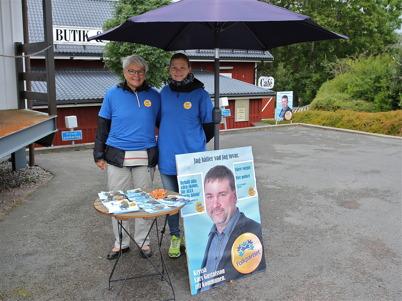 30 augusti 2014 - I Töcksfors kunde man se tecken på att det snart var dags för val till kommun, landsting och riksdag. Först ut var Folkpartiet.