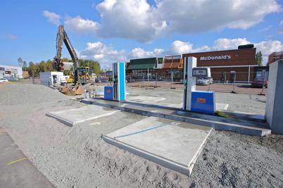 18 september 2014 - Och vid McDonald´s började den nya bensinmacken ta form.