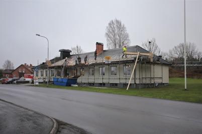 4 december 2014 - Och så fick Församlingshemmet i Töcksfors nytt tak.