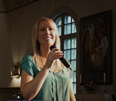 Anette Lövtangen - sångerska och inspiratör.