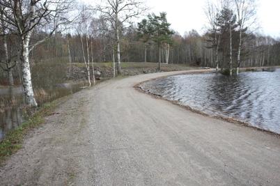 27 oktober 2014 - Gamla landsvägen vid Hånsviken liknade en strandpromenad.