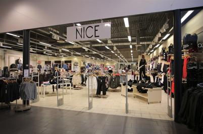 Klädbutiken Nice i shoppingcentret.