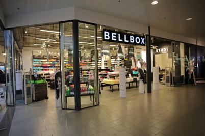 Bellbox säljer hårvårdsprodukter i shoppingcentret.