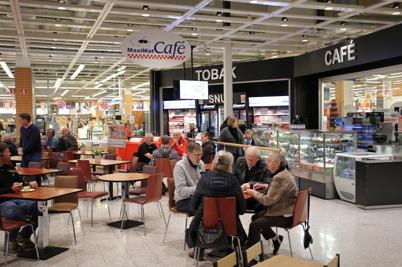 MaxiMat Café i shoppingcentret.