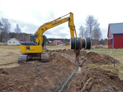 10 april 2014 - Läggning av slangar för fiberstamkabel i Östegård.