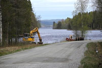 29 april 2014 - Norra arbetslaget har nått södra delen av Torsviken där sjökabeln kommer upp.