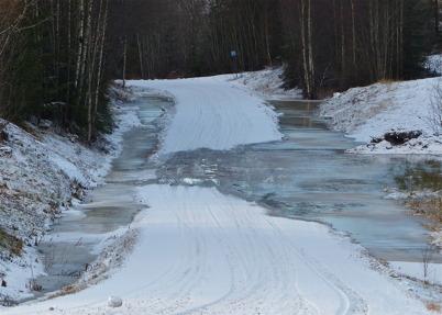3 januari 2013 - det milda vädret stängde nästan vägen till Ärttjärn.