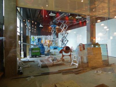 11 januari 2013 - Burger Kings nya restaurang började ta form.