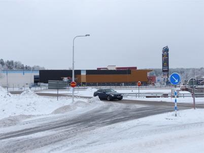 5 februari 2013 - vid Shoppingcentret färdigställdes fasaden på utbyggnaden.