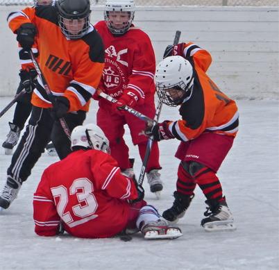 16 februari 2013 - NHC Nordmarkens Hockey Club spelade utematch mot Charlottenberg på Tingevi i Årjäng.