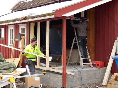 4 mars 2013 - arbetet med renovering av Slussvaktarstugan fortsatte.