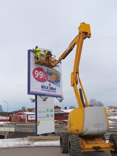 4 mars 2013 - invigningen av nya Maxi Mat närmade sig och det krävde ny annonsering.