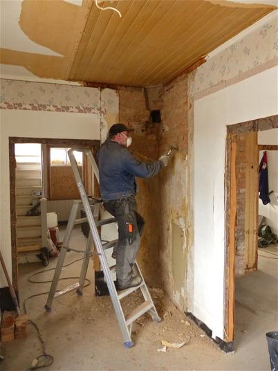 4 mars 2013 - renoveringen av Slussvaktarstugan fortsatte.