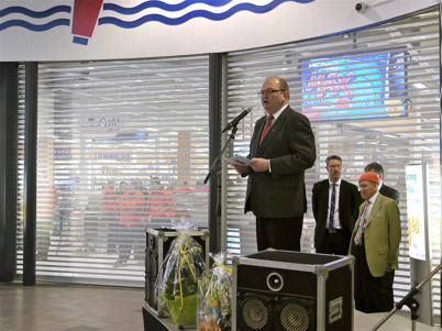 21 mars 2013 - i Shoppingcentret var det dags för ínvigning av nya Maxi Mat.