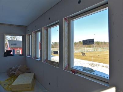 4 april 2013 - vid Hagavallen fortsatte arbetet med byggnation av nya klubbstugan.