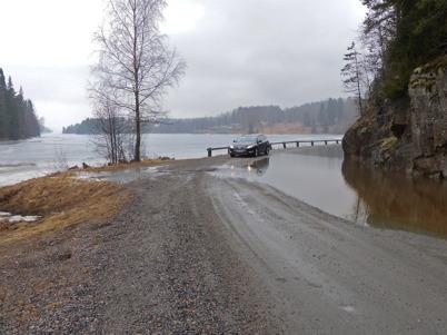 15 april 2013 - vårvädret stängde nästan vägen till Sanda.